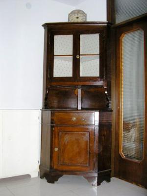 Vecchia antica angoliera mobile ad angolo vetrinetta in noce