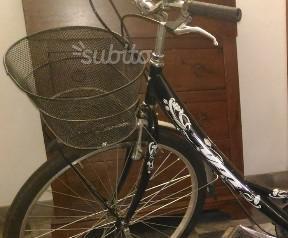 Cestino in metallo con supporto per Bici con ruote da 26