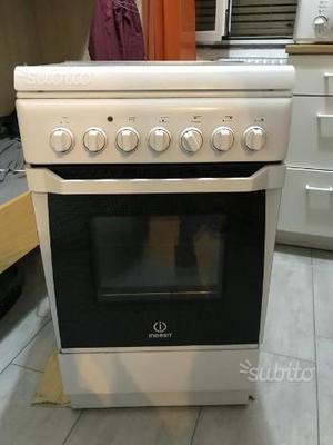 Cucina esterna a gas con forno elettrico ventilato