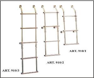 Scaletta pieghevole in acciaio a 3 gradini Art.