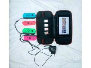 Nintendo switch con 4 giochi e 4 controller