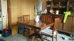 Tavolo in legno soggiorno allungabile CON 4 SEDIE