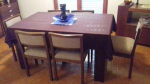 tavolo da soggiorno con 4 sedie