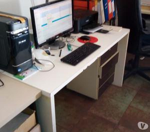 Stock mobili ufficio usati poche settimane posot class for Regalo mobili usati