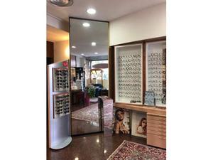 Arredamento completo per negozio di ottica