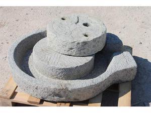 Macina manuale in pietra completa di piatto e ruot