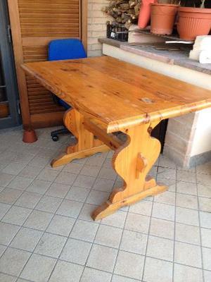 Tavolo in legno di pino a fratino x padova posot class for Tavolo rotondo legno chiaro