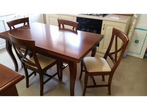 Tavolo allungabile e 4 sedie stile classico