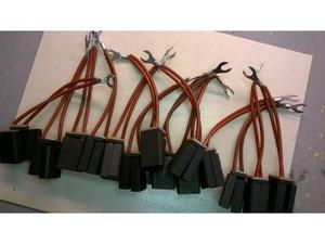 Spazzole di carbone 8+8x20x28 EG367