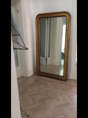Specchio con cornice dorata posot class for Specchio fine 800