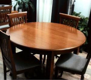 Vendesi parete attrezzata, tavolo e sedie euro