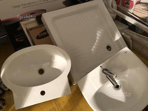 Piatto doccia e 2 lavabo