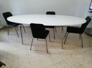 Tavolo ovale in legno smaltato bianco lucido