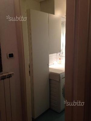 Tris di mobiletti da bagno o ripostiglio