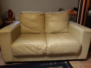 Regalo due divani da 2 e 3 posti
