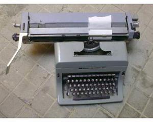 Vendo macchina da scrivere olivetti linea 88