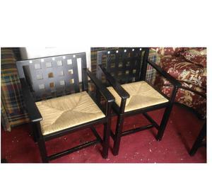 tavolo color wengè con 7 sedie di cui 2 con braccioli