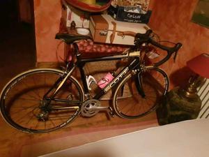 Bici da corsa Scott alluminio e carbonio