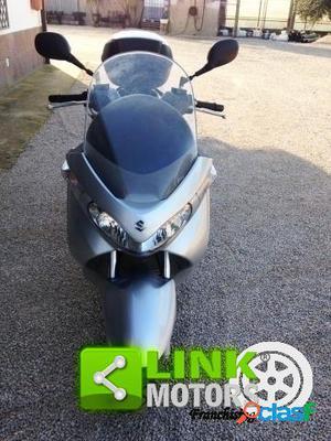 Suzuki Burgman UH 200 benzina in vendita a Latina (Latina)
