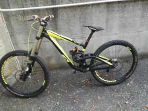 Downhill bici scott