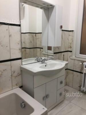 Mobile bagno con lavabo mai usato 200 euro