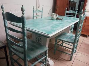 Tavolo con 4 sedie shabby chic
