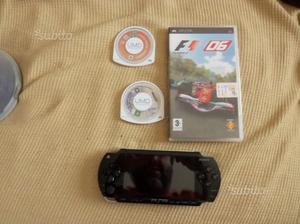 Sony PSP + 3 giochi originali e accessori