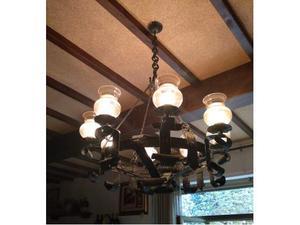 Lampadari (due) in ferro battuto funzionanti, con catena, 8