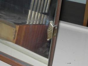 Specchio vintage per comò, con base e retro in legno.