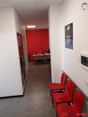 Nuovo 18583m030 data ufficio 18583m030cf250 posot class for Ufficio decoro urbano messina