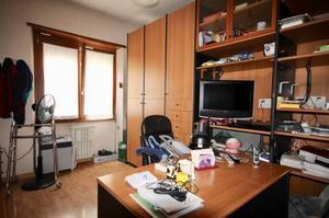 Regalo armadio letto scrivania roma posot class for Armadio studio