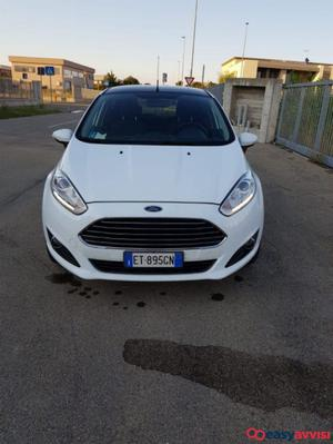 Ford fiesta 1.4 gpl 97cv titanium 5 porte pari a nuovo