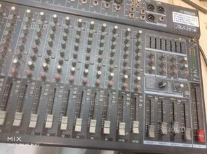 Mixer yamaha MX 20