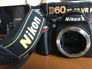 Nikon D60, obiettivo  VR Kit e borsa