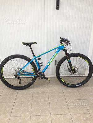 Trek Superfly 9.8 Carbon 29
