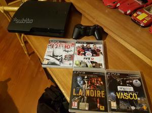PS3 slim 160 gb + 4 giochi