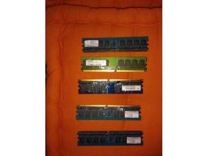 8 moduli di RAM da 512MB