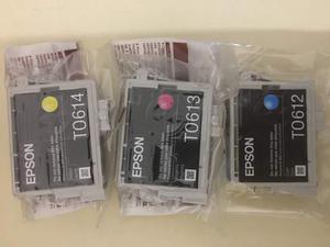 Vendo Le tre cartucce colore T612 per EPSON D88