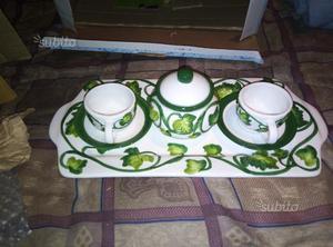 Piccolo servizio in ceramica nuovo con scatola