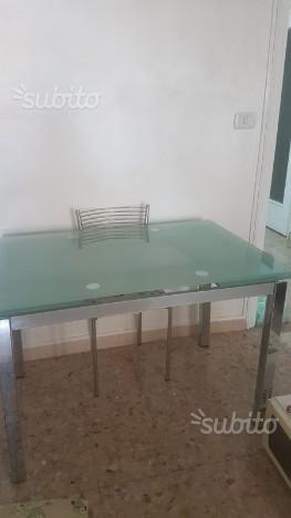 Tavolo da pranzo allungabile con 4 sedie