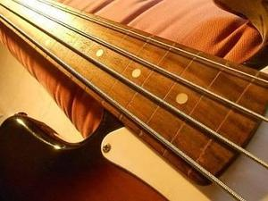 SQUIER BY FENDER P-BASS AFFINITY FRETLESS