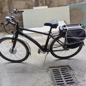 Bicicletta elettrica con pedalata assistita