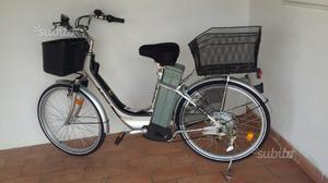 Bicicletta elettrica praticamente nuova