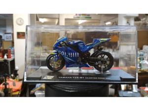 Moto Yamaha yzr-m1 Valentino Rossi