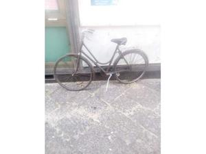 Bicicletta d'epoca con freni a bacchetta