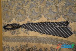 Cravatta grigio/viola a righe