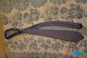 Cravatta viola a righine