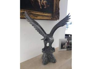 Aquila in marmo nero