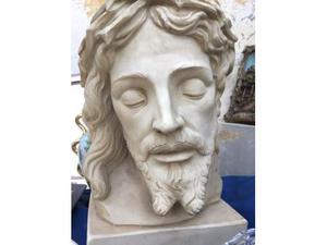 Cristo scolpito in pietra (firmato)