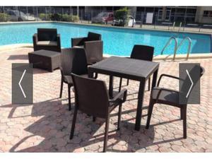 Tavolo quadrato + 4 sedie con bracciolo rattan BAR GIARDINO